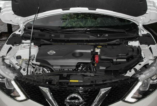 【编者按】东风日产全新逍客将于2015年10月16日正式上市销售,新车基于日产全新的CMF模块化平台打造,共推出7款车型,将搭载1.2T和2.0L两种不同排量的发动机,据悉1.2T车型将提供手动变速箱和CVT变速箱,而2.0L车型全部搭载CVT变速箱。正如我们知道的,海外版全新一代逍客早在去年日内瓦车展就已上市,此次国内上市的全新逍客跟海外版趋于一致。全新的外观、内饰,更为丰富的动力总成以及增加的很多高科技配置让大家对其充满了期待。近日,爱卡汽车网凭借区域优势,率先对全新逍客进行到店调查,让大家能够抢先了